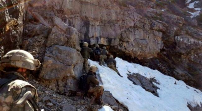 PKKya ait 8 odalı sığınak darmadağın edildi
