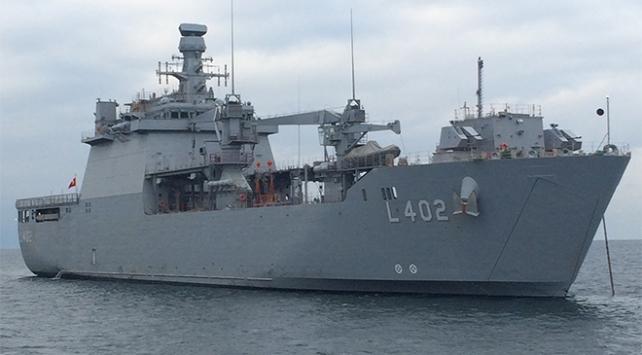 Milli tank çıkarma gemisi TCG Bayraktar tüm testlerden geçti
