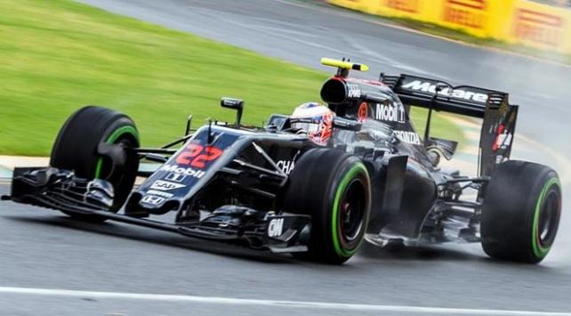 McLaren-Hondanın pilotu Jenson Button