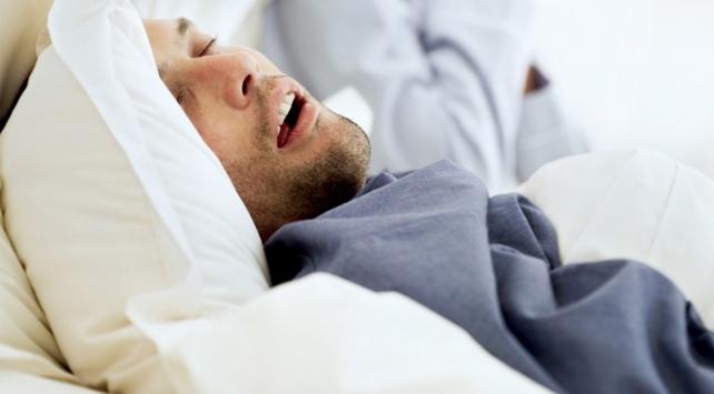 """Uyku apnesi """"hipertansiyon"""" riskini iki kat artırıyor"""