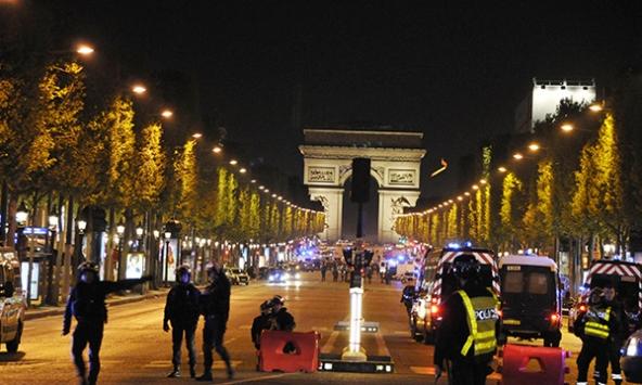 Paris saldırısıyla ilgili kilit bir isim teslim oldu
