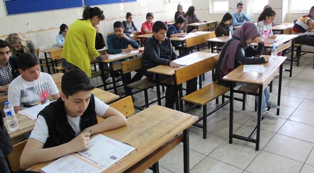 Yaklaşık 2 milyon öğrenci TEOGda ter dökecek