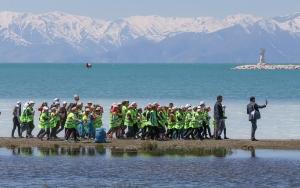 Vanda 3 bin öğrenci çöp topladı