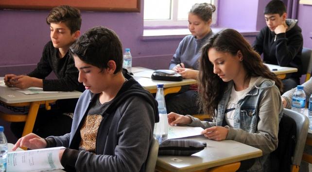 2017 TEOG mazeret sınavı ilk gün oturumu başladı