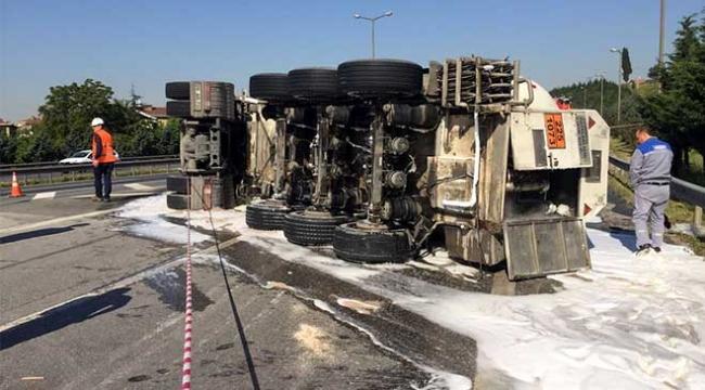 Kocaelide sıvı oksijen yüklü tanker devrildi: 1 yaralı