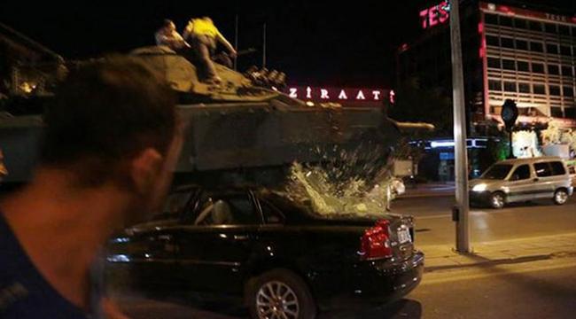 """Vatandaşları """"092635"""" plakalı tankla ezdiler"""