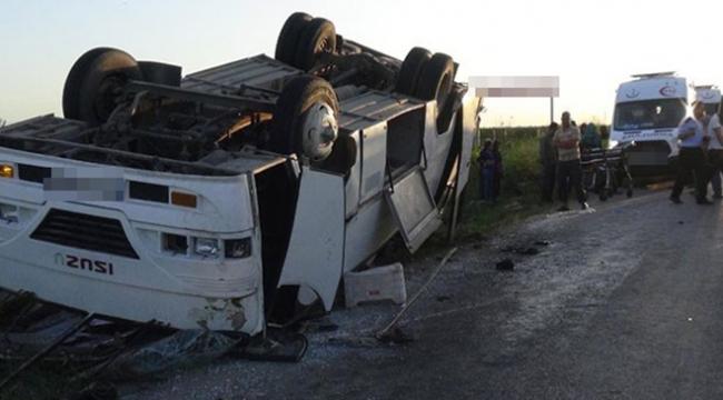 Konyada minibüs devrildi: 19 yaralı