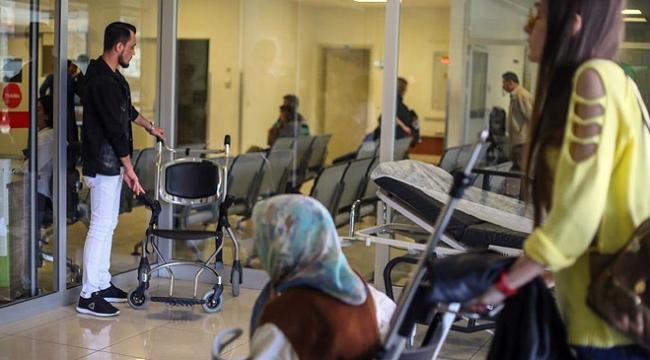 Hasta yakınına acil serviste çalışma cezası