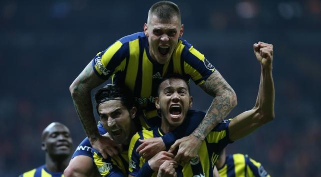 Fenerbahçe son dakikaları seviyor