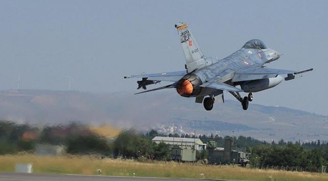 Türkiyenin ilk milli hava füzeleri görücüye çıkıyor