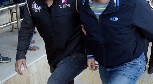 Erzurumda Hero yazılı tişört giyen 2 kişiye gözaltı