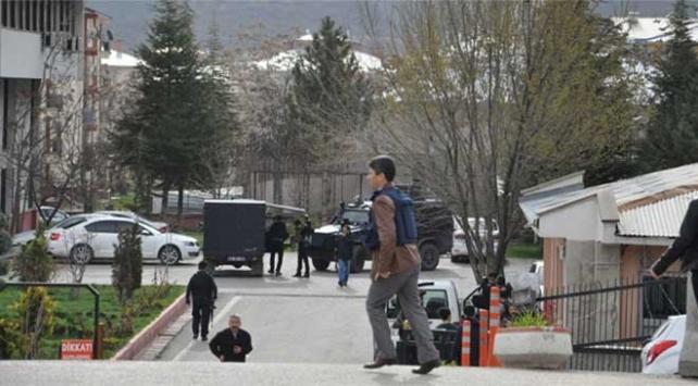 Tuncelide polis kontrol noktasına silahlı saldırı