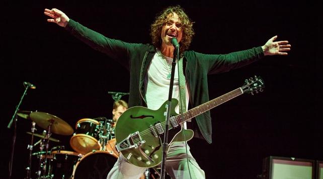 Rock yıldızı Chris Cornell yaşamını yitirdi