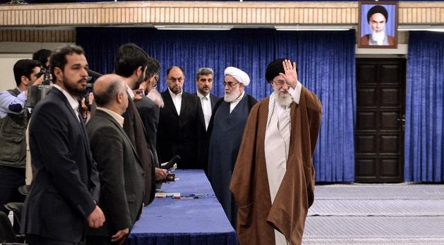 İran cumhurbaşkanı seçimi için sandık başında