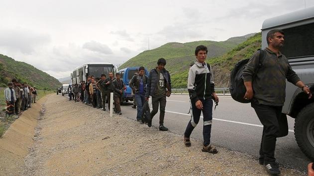 Arıza yapan otobüste 103 yabancı uyruklu yakalandı
