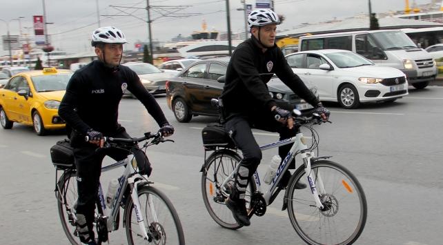 Tarihi Yarımada sahilleri bisikletli polislere emanet