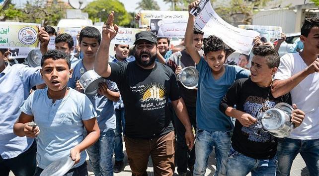 Gazzeliler açlık grevindeki tutuklular için yürüdü