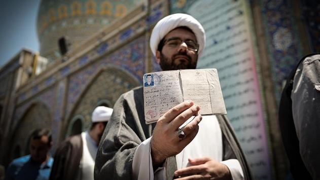 İranda oy verme işlemi devam ediyor