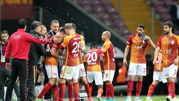 Galatasaray, Osmanlısporu iki golle geçti