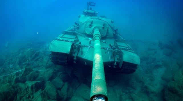 45 tonluk tank Akdenizin derinliklerinde