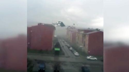 Karsta fırtına hayatı felç etti