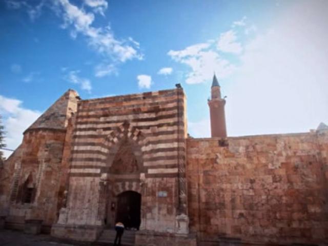 Tarihi İpek Yolu yeniden canlanıyor