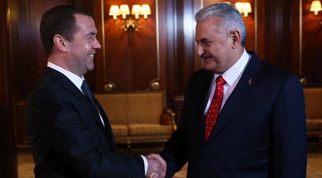 Başbakan Yıldırım-Medvedev görüşmesi sona erdi