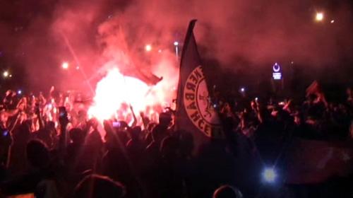 Tüm Türkiye Fenerbahçenin şampiyonluğunu kutladı