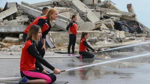 Kadın itfaiyecilere madalya mücadelesinde destek