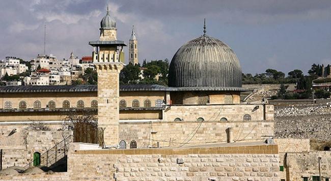 Yahudi yerleşimciler Mescid-i Aksaya baskın