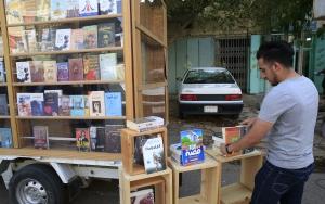 Bağdatta seyyar kütüphane