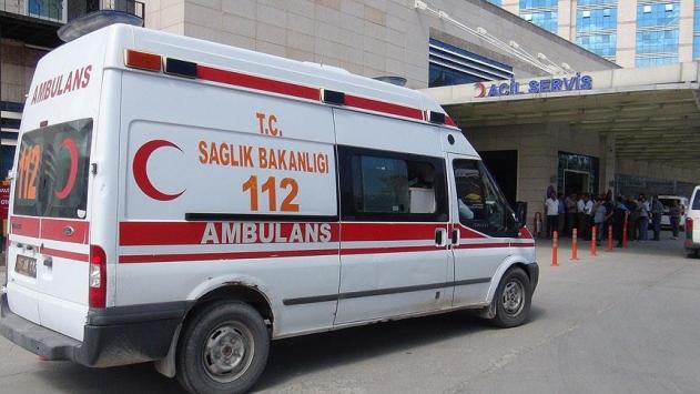 Ispartada yolcu otobüsü kamyona çarptı: 1 ölü, 24 yaralı