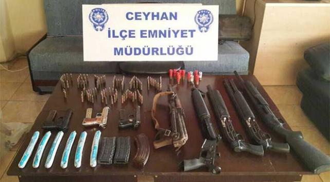 Adanada silah ve dinamit lokumu ele geçirildi