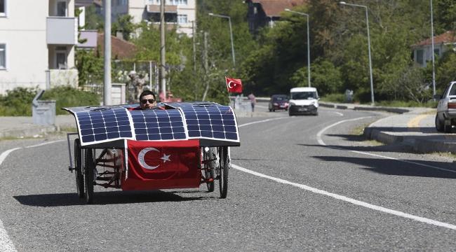 Güneş enerjisiyle çalışan yerli otomobil yaptılar