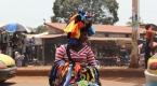 Yükselen Afrika - Ginenin çalışan renkli kadınları
