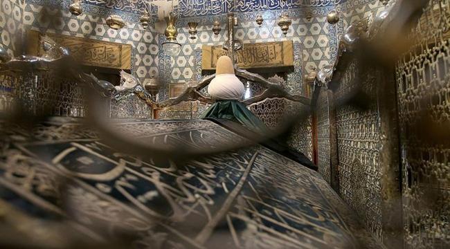 Eyüp Sultan Türbesi ramazanda 24 saat ziyarete açık