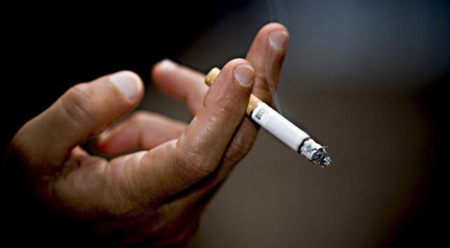 Sigara kullananlar daha fazla ağrı çekiyor