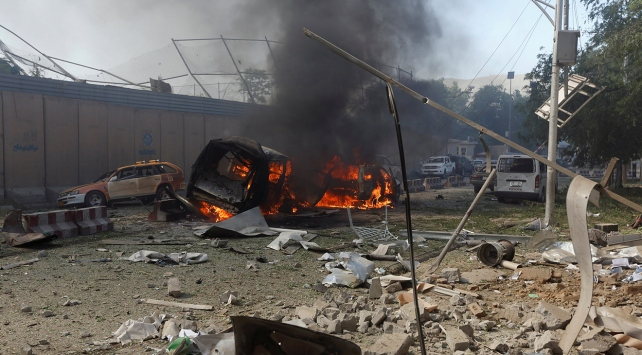 Afganistandaki 3 ayrı saldırıda 35 polis hayatını kaybetti
