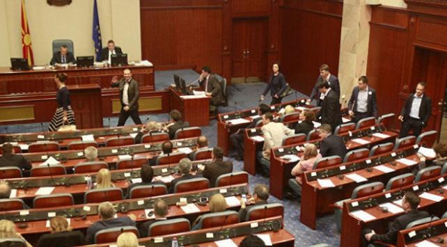 Makedonyada yeni hükümet güvenoyu aldı