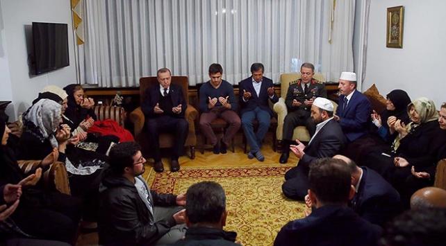 Cumhurbaşkanı Erdoğandan şehit Tümgeneral Aydının ailesine ziyaret