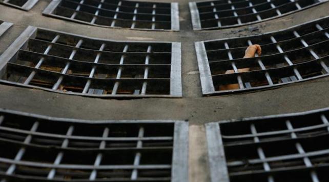 Cezaevinden büyük firar: 900 mahkum kaçtı