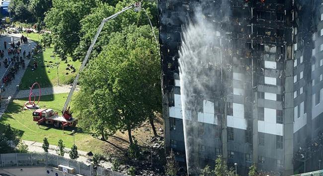 Londradaki yangında ölenlerin kimlikleri belli olmaya başladı