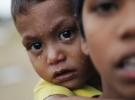 Bangladeş'e sığınan 320 bin Arakanlı çocuk tehdit altında'