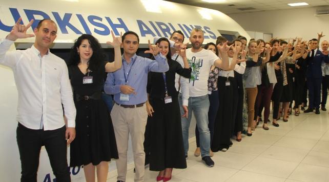 THYnin kabin memurlarına işaret dili eğitimi