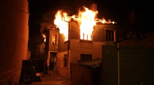 Konyada yangın: 5 yaralı