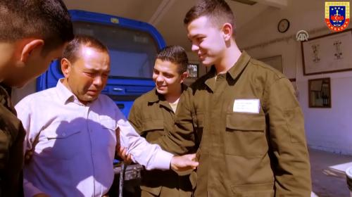 """Jandarmadan üçüz askerlere """"Babalar Günü"""" sürprizi"""