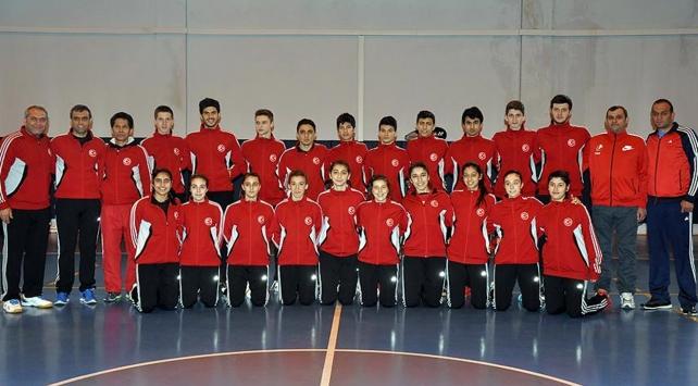 Milliler Badmintonda 7 madalya kazandı