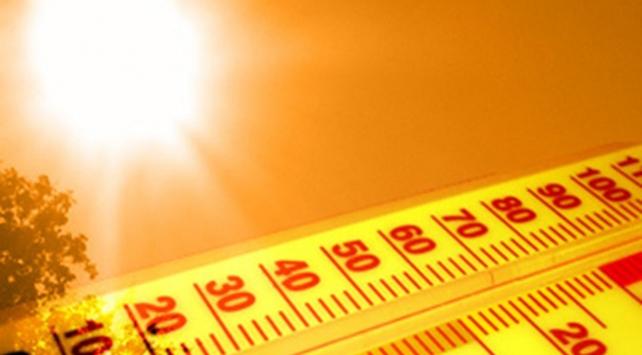 Aşırı sıcaklar iki kişinin ölümüne neden oldu