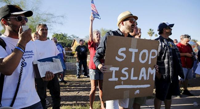 Avrupa ve ABDdeki İslamofobi tehdidi büyüyor