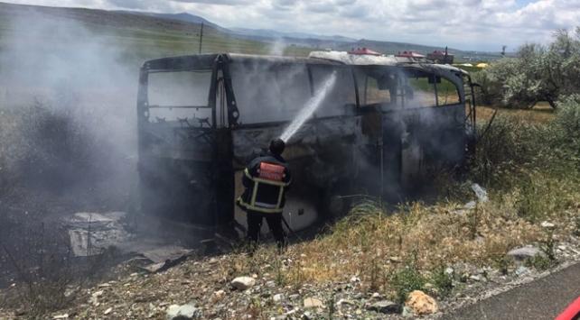 Kayseride kaza yapan yolcu otobüsü küle döndü